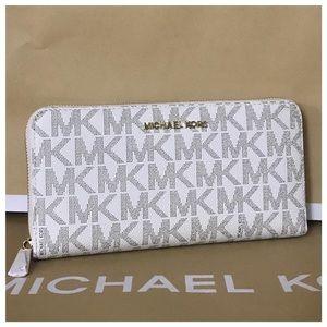 Michael kors xl mk jet set travel vanilla wallet
